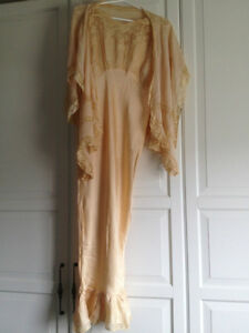 Antique Beautiful Flow Lace Night Gown Dress Nightgown Display M