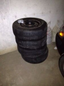 215/70/R15 Michelin Winter tires and rims