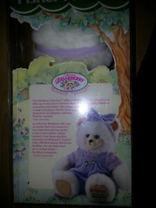 BERRY BETH FROM THE BRIAR BERRY COLLECTION MINT IN BOX!!! London Ontario image 3