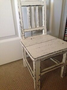 REDUCED*** ANTIQUE RUSTIC MINI CHAIR London Ontario image 2