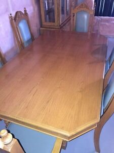 Glass Hutch with Dining Table Set for Sale Kitchener / Waterloo Kitchener Area image 5