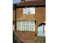 2 Bedroom Terrace (House) Pomfret Avenue II Round Green Area Luton LU2