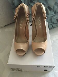Nude coloured peep toe pumps  Oakville / Halton Region Toronto (GTA) image 3