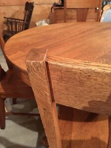 Refinished oak dining table and 4 chairs  Moose Jaw Regina Area image 2