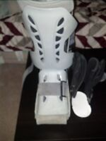Air boot and ankle brace