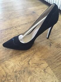 New Just Fab ladies black court shoes size 4