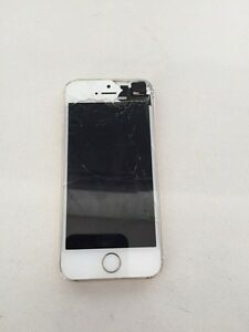 IPhone 5s gold with Rogers *cracked screen*