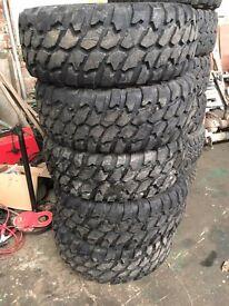 Set of 5 33/12.5 r15 GT Radial Adventuro MT
