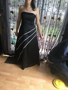 Black and white Reitmans Gown/ Prom Dress (S-M)