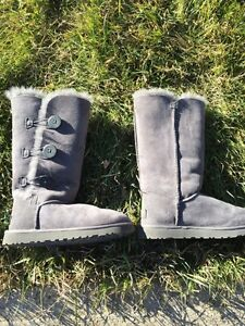 Size 7 Ugg Boot