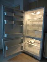Frigo/fridge + poêle/stove