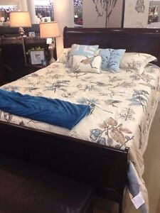 Brand new 5 piece bedroom set for sale!!!! Cornwall Ontario image 6