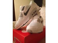 Brand new Nike air max 90 in size 11