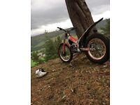 Beta rev3 200cc trials bike