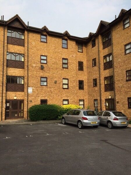 2 bedroom flat to let in Brockley, 1 min walk from station, excellent location