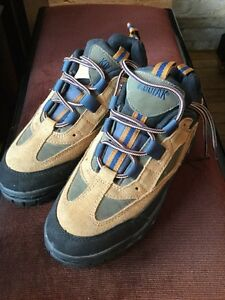 Kodiak woman's steel toe. Size 7.5 W London Ontario image 1
