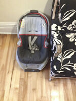 Graco Infant car seat valid until 2018 / Graco siege voiture