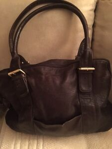 Brown beautiful soft leather purse $40