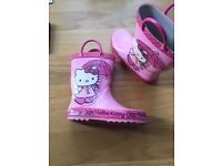 Girls size 9 pink wellies hello kitty