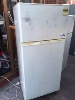 4.5 star great working 350 liter fridge , can delivery at extra f