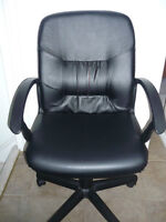 Black Swivel Chair on Wheels : Very comfortable : Exc Condition