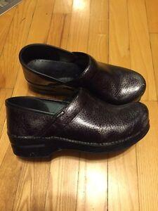 Dansko shoes -- size euro 38