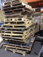 25 palettes de bois à donner