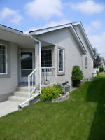 Villa Duplex in High River - Completely Renovated!