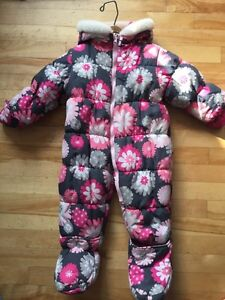 Osh Kosh girls Snowsuit  Cornwall Ontario image 1