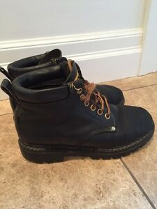 Roots Tuff Boots-black leather. Size 6-7 ladies