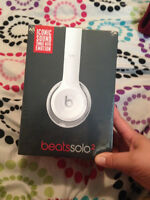 BRAND NEW White Beats Solo 2 Head Phones for Sale!!!!