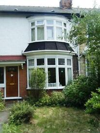 3 Bed Terraced House to rent, Victoria Ave, £600pcm