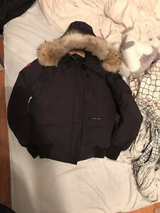 Canada Goose chilliwack bomber Women Medium West Island Greater Montréal image 2