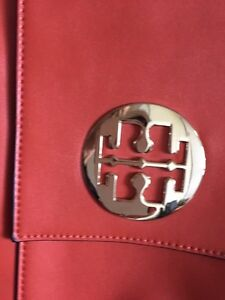 Tory burch clutch London Ontario image 3