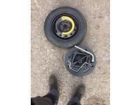 Spare wheel and jack of a fiat punto 06