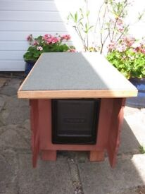 *New* wooden cat shelter with catflap