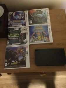 Selling new 3dsxl with 5 games