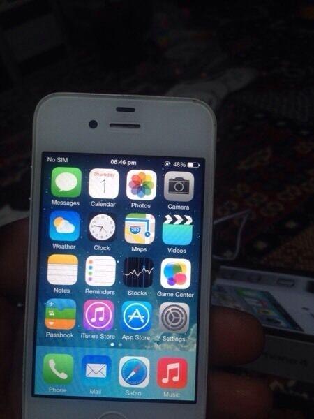 iPhone 4 16gig unlocked to all networks