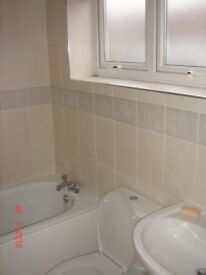 Double Room - Furnished House - WIFI Included