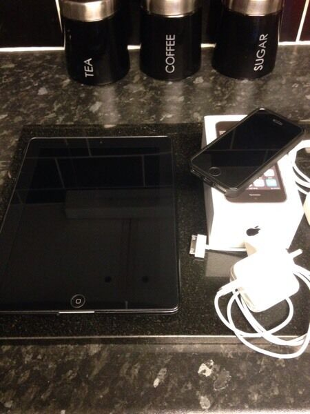 IPhone 5s and iPad 3rd generation 32gbin Hythe, HampshireGumtree - Wanting to swap my iPad 3rd generation 32gb wifi and my iPhone 5s 16gb slate grey for an iPhone 6 unlocked or on 02 the iPhone 5s is brand new 3 days old so have everything with it and apple 12month warentee the iPad is in great condition has been...