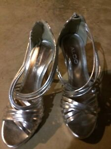 Silver pumps London Ontario image 1