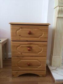 Set of pine drawers