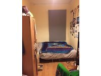 Double Room available in 8 bed house in Fallowfield