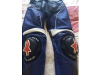 Alpinestars Track Leather Motorcycle Sport Trousers , size 32 USA / 48 EUR.