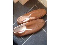 Men's size 9 genuine leather parada