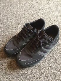 Mens/boys trainers