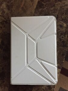 Acer tablet like new with great case