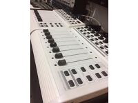B-CONTROL FADER BCF 2000 (White pair for sale or swap).