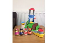 Paw Patrol Seal Island and 3 extra weebles