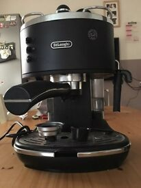 DeLonghi Coffee machine & grinder